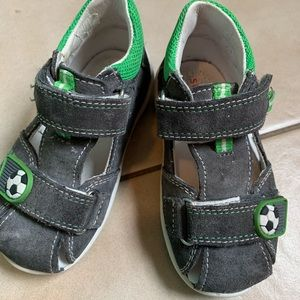 Superfit toddler sandals, sz 21, 5T